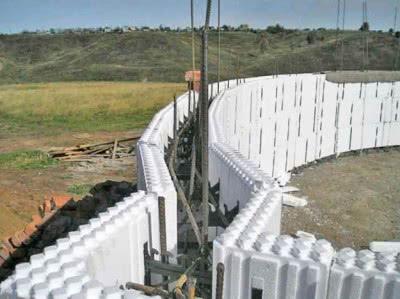 Кладка из полистирольных блоков