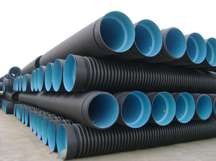 Для наружных канализационных систем с большой нагрузкой используют двустенные трубы из полиэтилена