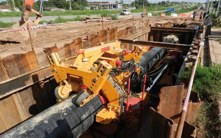 Прокладка тепловых сетей под землей требует оборудования специальных тоннелей или камер, позволяющих производить осмотр и ремонт труб