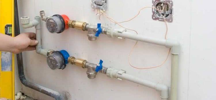 Проложить водопровод из полипропиленовых труб можно и в квартире, и частном доме