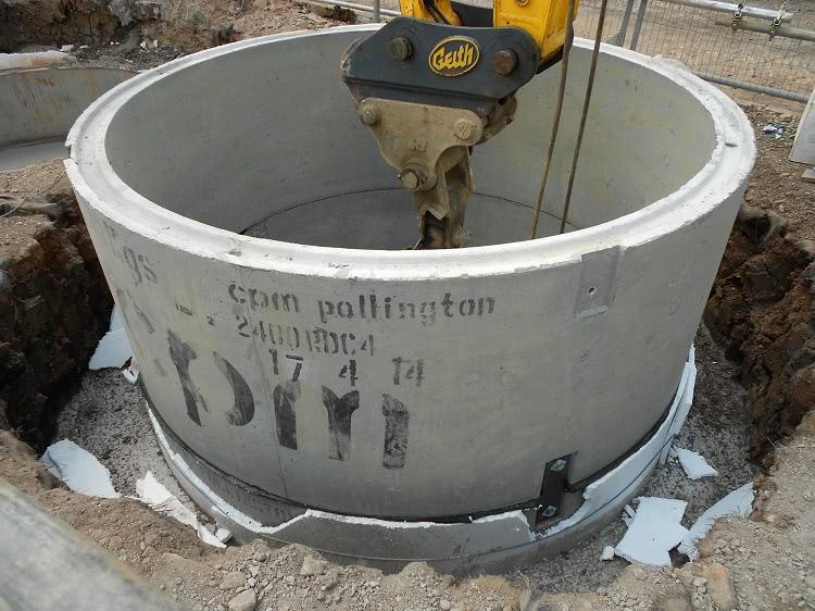 Обсадка скважины или колодца может производиться и асбестоцементными трубами