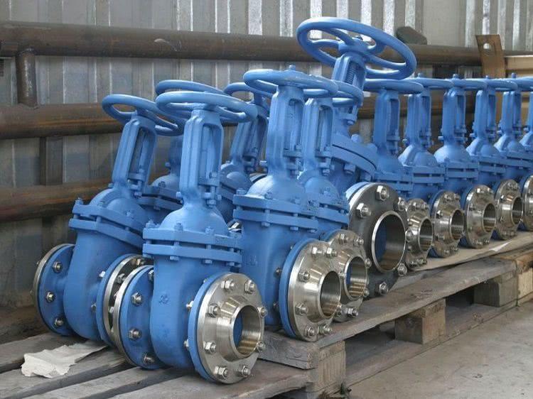 Для промышленных трубопроводов выпускаются вентили особых размеров и типов