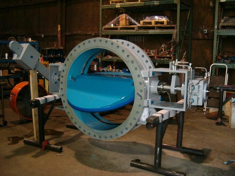 В конструкции затвора трение запорного элемента сведено к минимуму, поэтому такие устройства служат дольше обычных шаровых кранов
